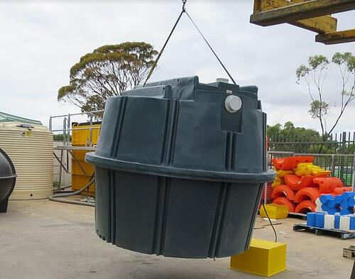 Lightweight poly septic tank - easy to move around